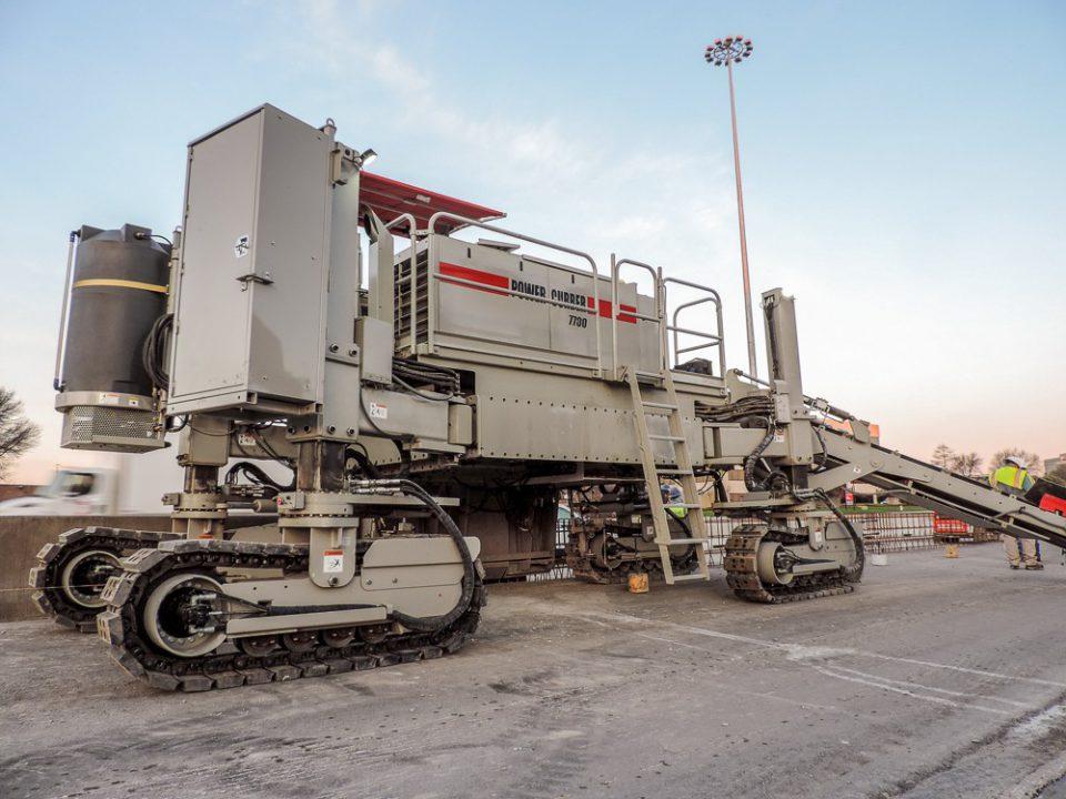 Finisor de beton POWER CURBER 7700