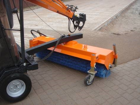 Perie rotativa, actionata hidraulic (latimea de lucru: 180 cm, greutate: 140 kg)